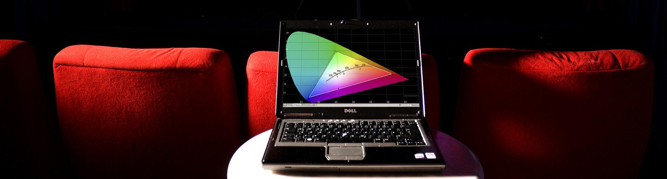 Projektoren-Kalibrierungsaufbau - Foto Michael B Rehders_MBR3284