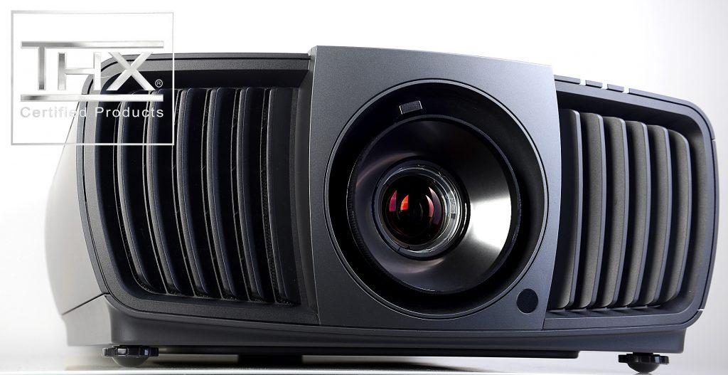 BenQ W11000 – Der 4K-Heimkino-Bolide mit THX-Lizenz für ultrascharfe Bilder und natürliche Farben. Foto: Michael B. Rehders