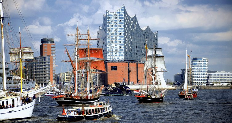 828. Hafengeburtstag mit über 1.000.000 Besucher