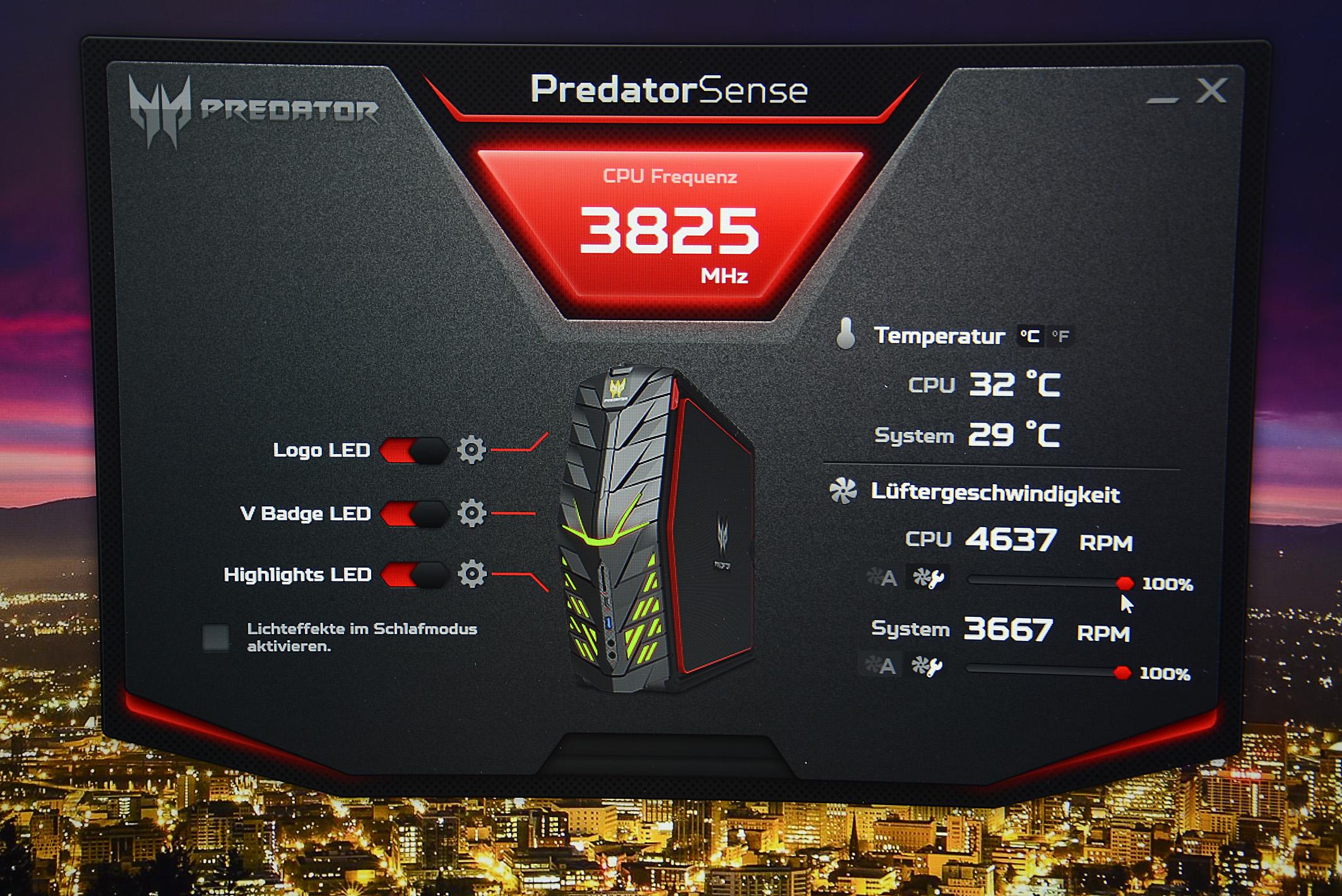 Während der G1 in der Grundeinstellung angenehm leise daherkommt, wird der Lüfter hörbar lauter, sobald die CPU-Frequenz händisch vom Nutzer hochgedreht wird. Nützlich finde ich die Temperaturanzeigen der CPU und des Systems, weil auf einen Blick ersichtlich ist, was der Rechner gerade leistet. Ebenfalls finde ich gut, dass die LED-Beleuchtungen wahlweise ausgeschaltet werden können, falls das bunte Farbenspiel den Nutzer vom Spielgeschehen ablenken sollte.