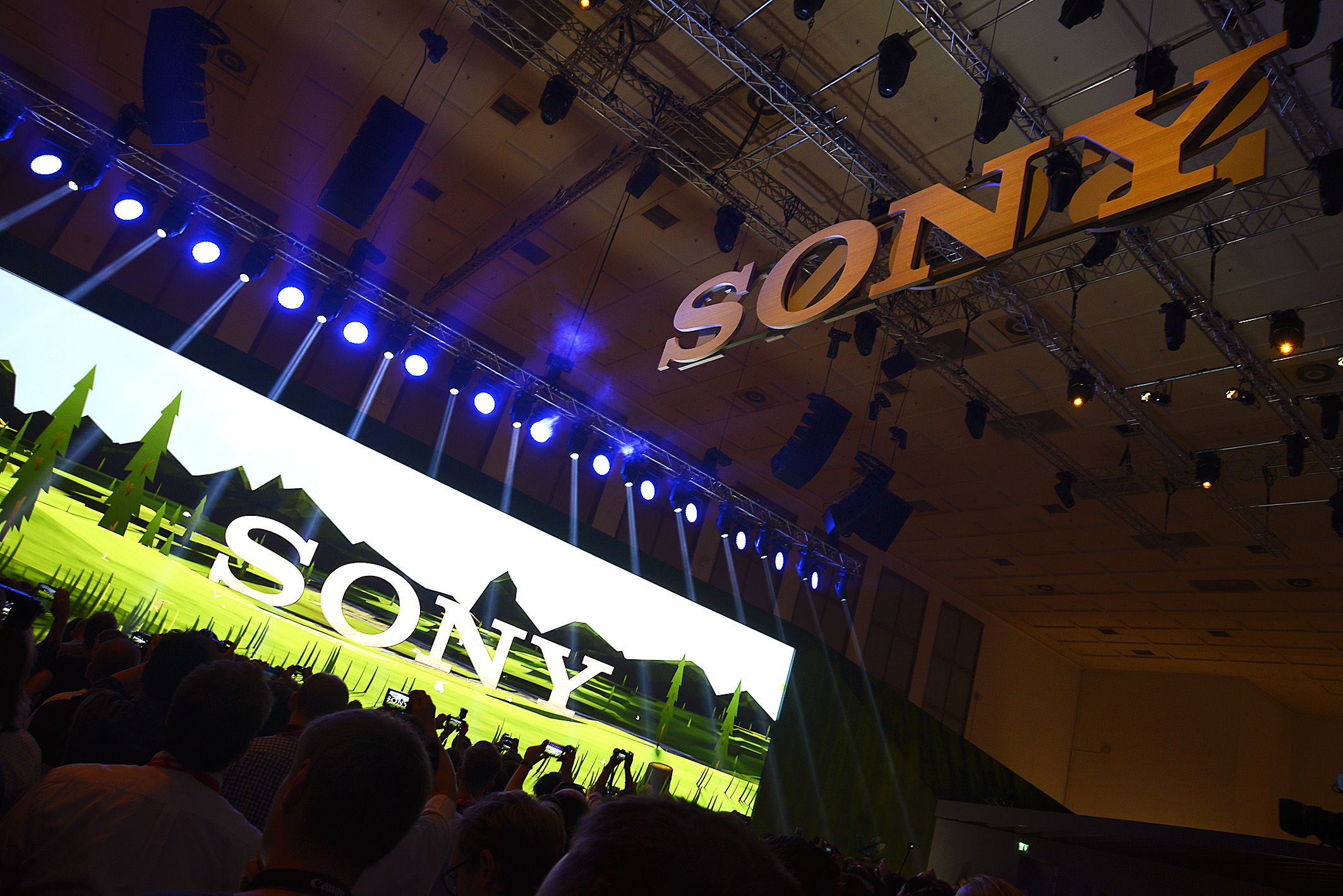 Foto: Michael B. Rehders Sony hat gerufen – und hunderte Journalisten aus aller Welt sind gekommen, um an der Pressekonferenz teilzunehmen.