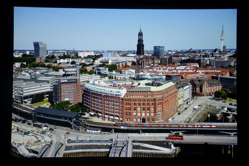 Sony VPL-HW65 - Screenshot Hamburg Panorama_MBR6527