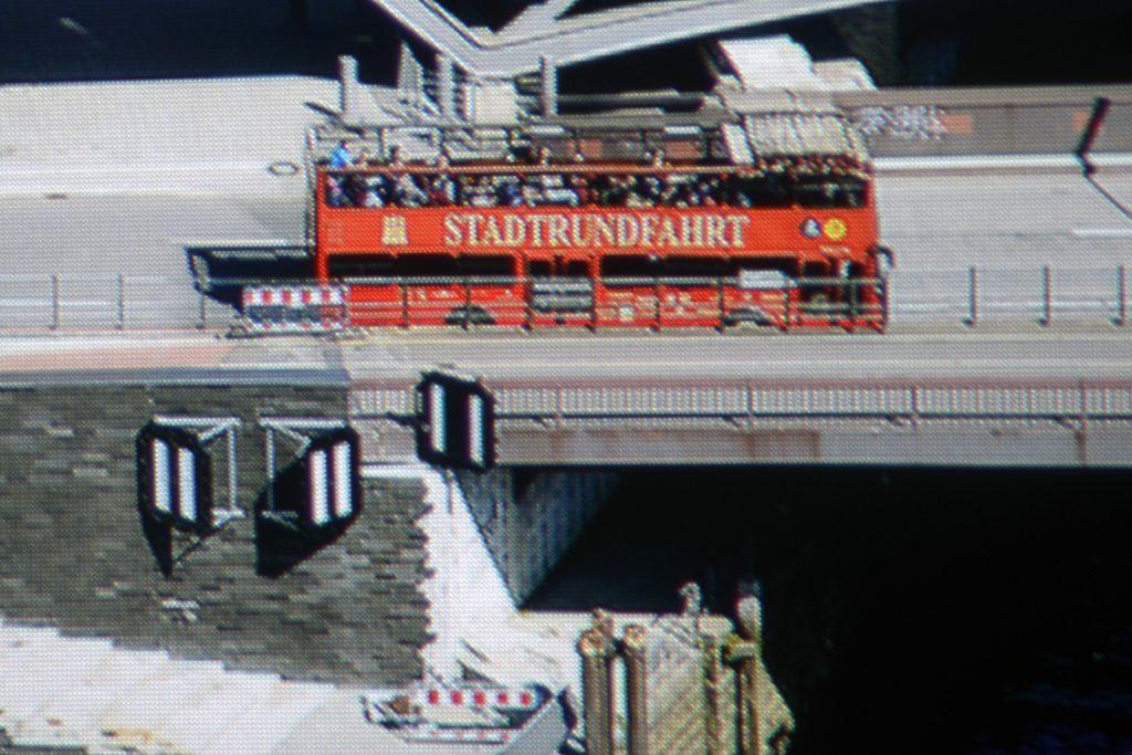 epson-eh-tw9300w-screenshot-hamburg-panorama-ausschnitt-uhd-mit-eshift
