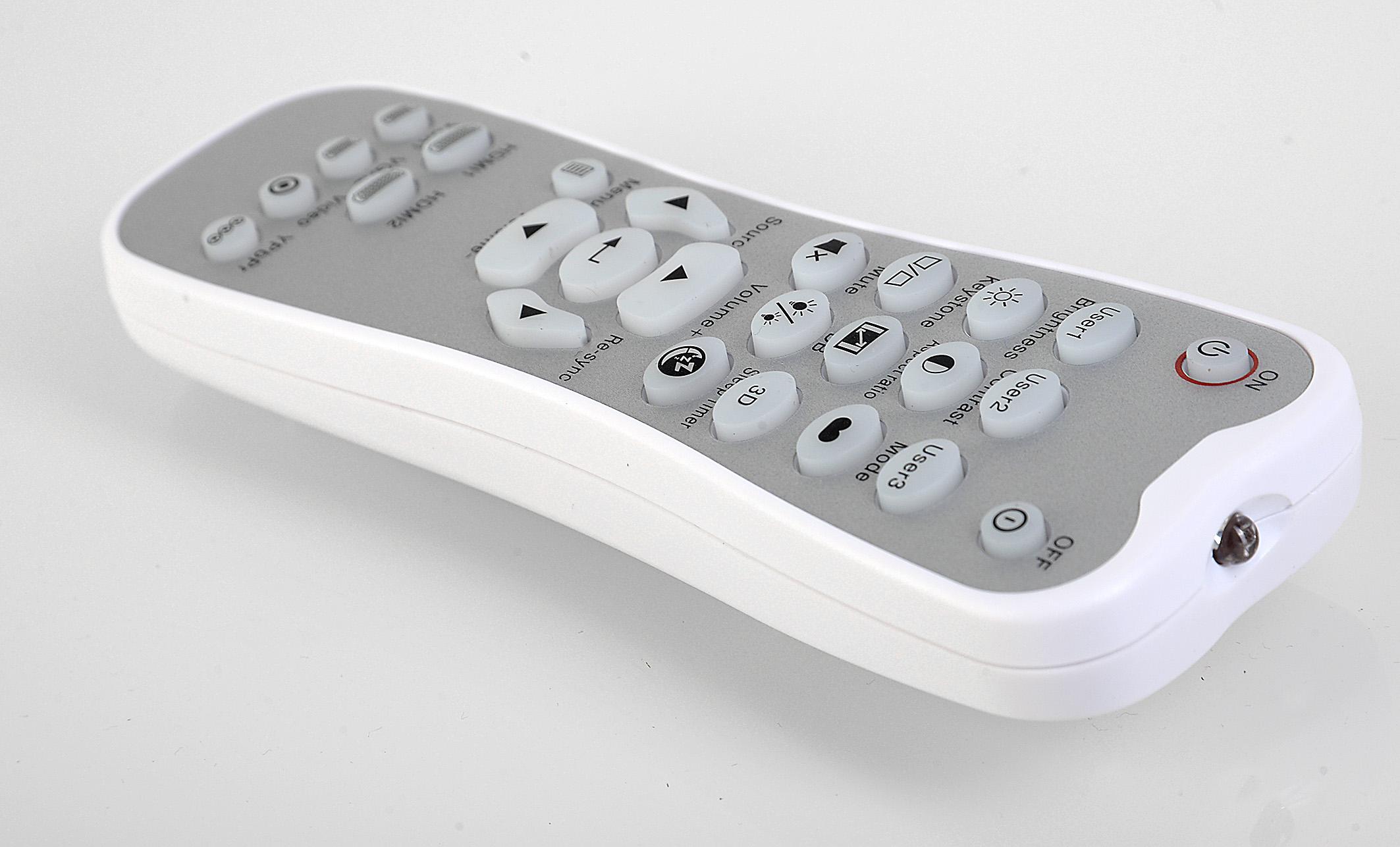 Foto: Michael B. Rehders Die Fernbedienung ist angenehm klein und somit handlich. Die unbeleuchtete Tastatur ist logisch aufgebaut und beschriftet. Ich kam damit sofort klar.