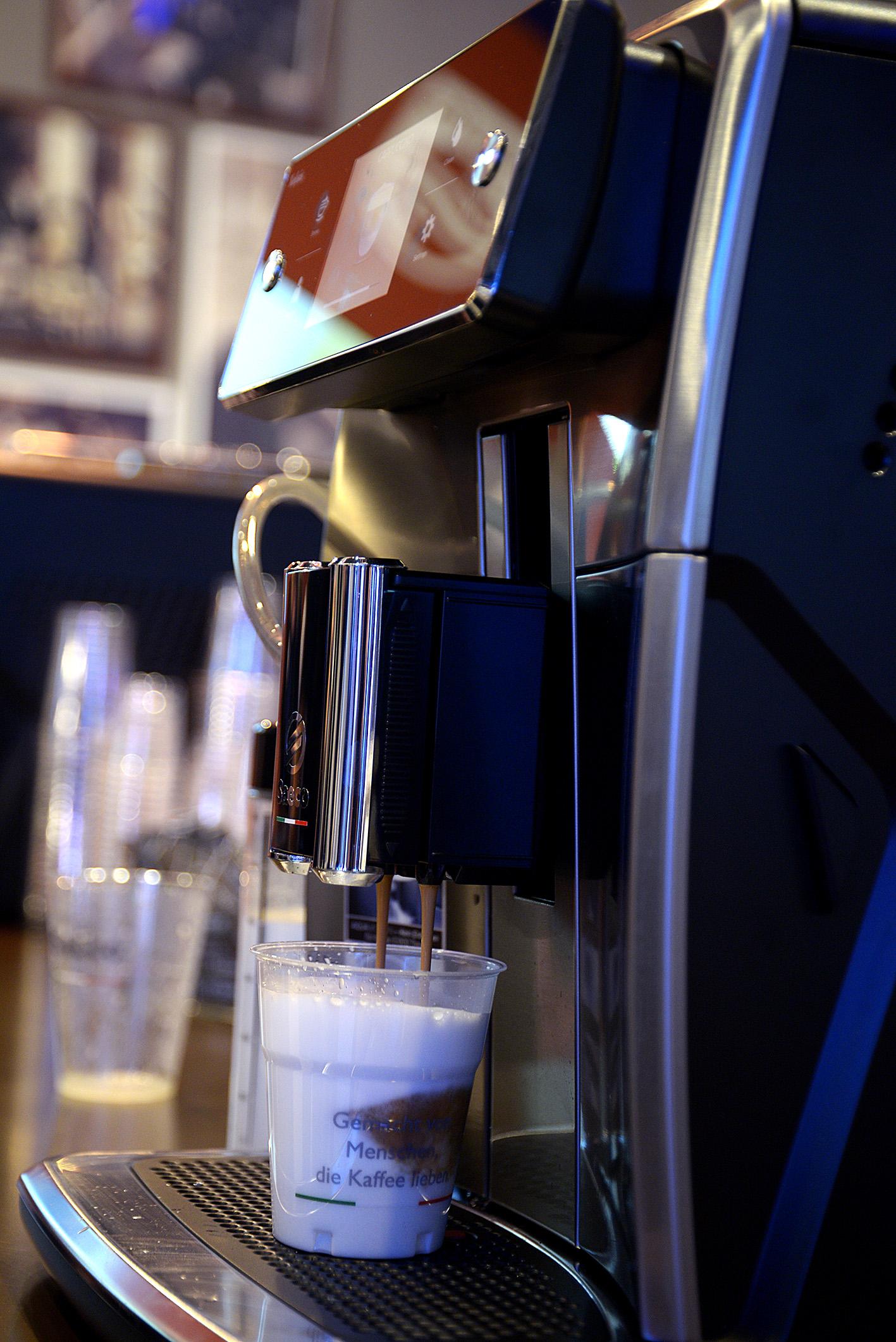 Foto: Michael B. Rehders Zum Abschluss eines langen Messetages habe ich mir noch einen Kaffee gegönnt.