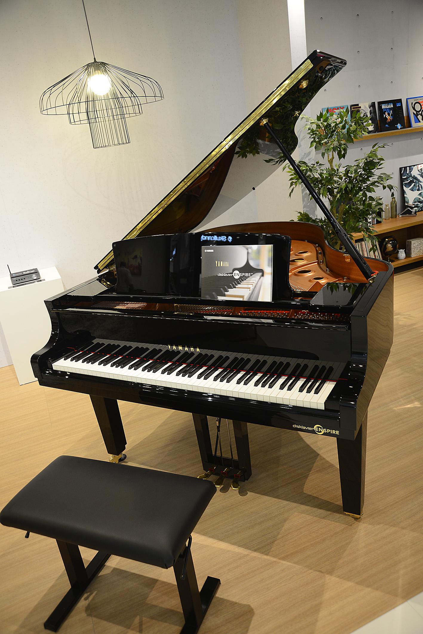 Foto: Michael B. Rehders Wer nicht nur Musik hören möchte, sondern gerne selbst spielt, darf bei Yamaha gerne so richtig in die Tasten hauen.