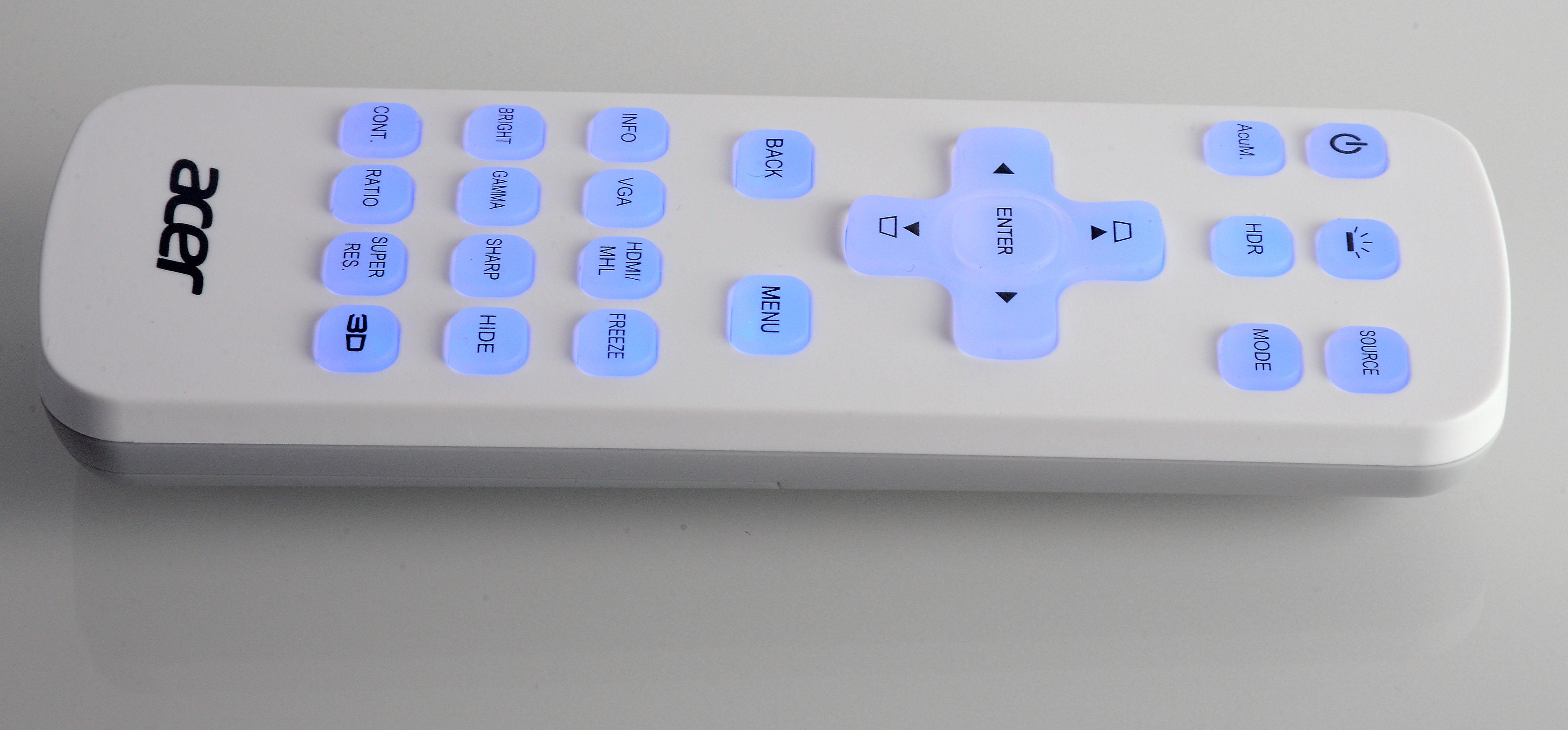 Foto: Michael B. Rehders Dank beleuchteter Tastatur, ist die Aufschrift hervorragend zu lesen. Die Navigation gelingt somit schnell und sicher durchs On-Screen-Menü.
