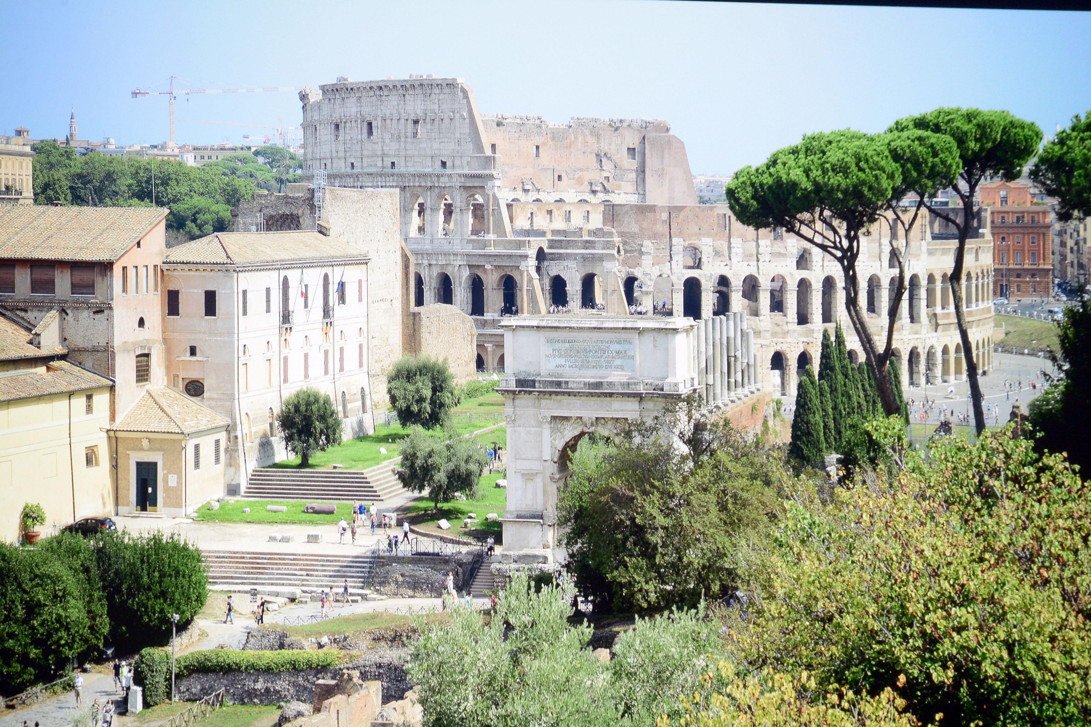 Foto: Michael B. Rehders (Originalaufnahme) Diese Fotoaufnahme aus dem Forum in Rom bietet zahllose Dinge, die es zu entdecken gilt.