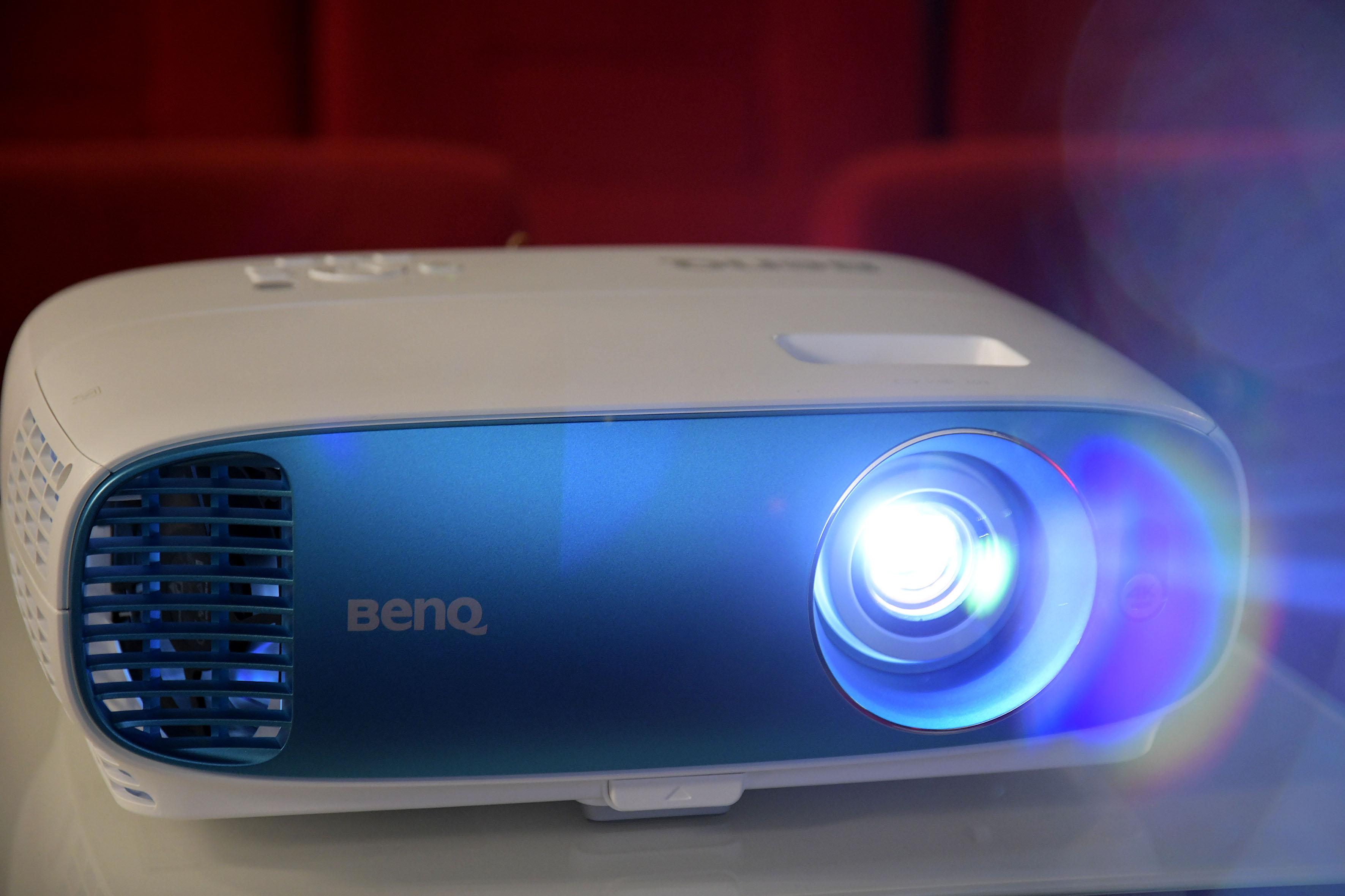 Foto: Michael B. Rehders Der BenQ TK800 gibt ein richtig gutes Bild im Heimkino ab – auch optisch.