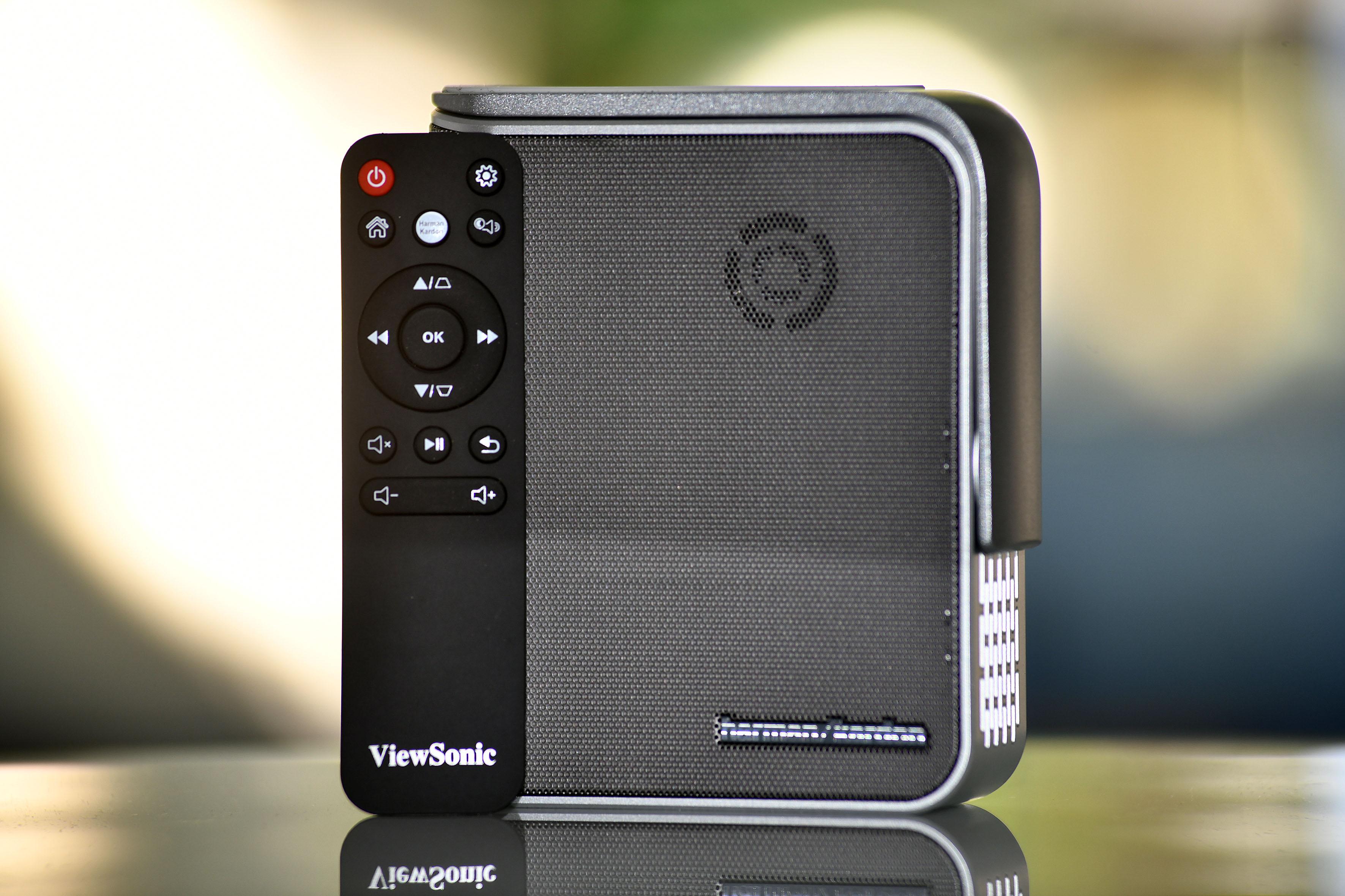 Foto: Michael B. Rehders Gleich zwei Lautsprecher hat Harman/Kardon dem ViewSonic M1 spendiert. Diese befinden sich eingelassen im Gehäuse.
