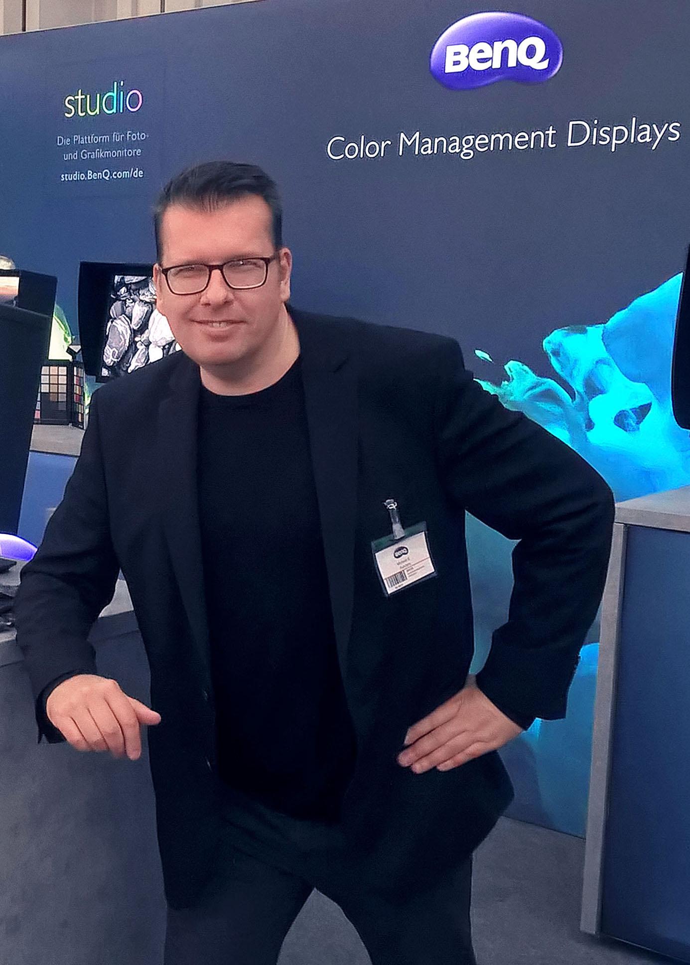 """Wie auf der """"Fotomesse"""" in Nürnberg stehe ich Besuchern für Fragen ganztägig zur Verfügung, verrate Tricks und gebe Tipps rund um die professionelle Fotografie."""