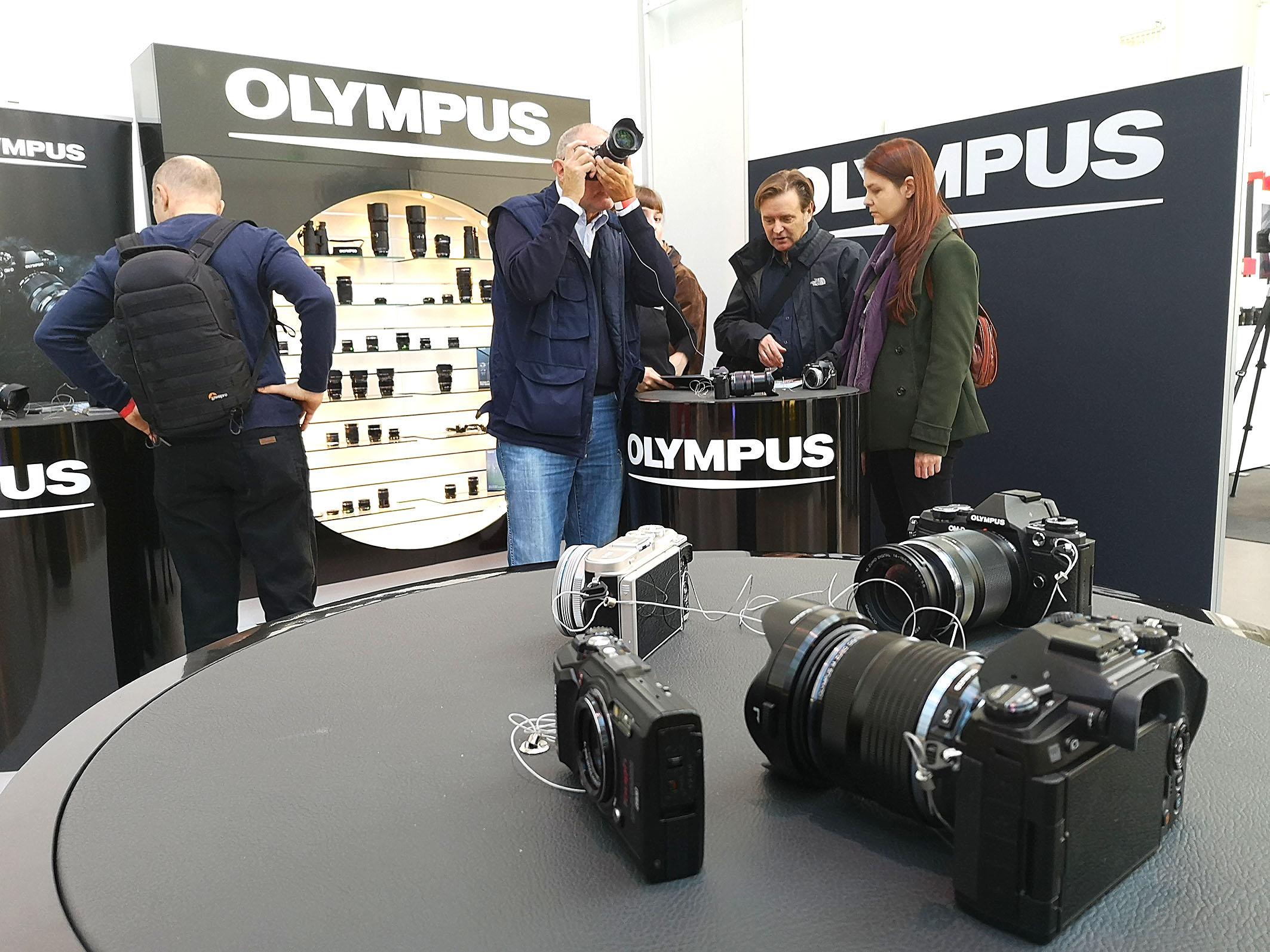 Foto: Michael B. Rehders - Auch bei Olympus konnten Besucher alles nach Lust und Laune ausprobieren.