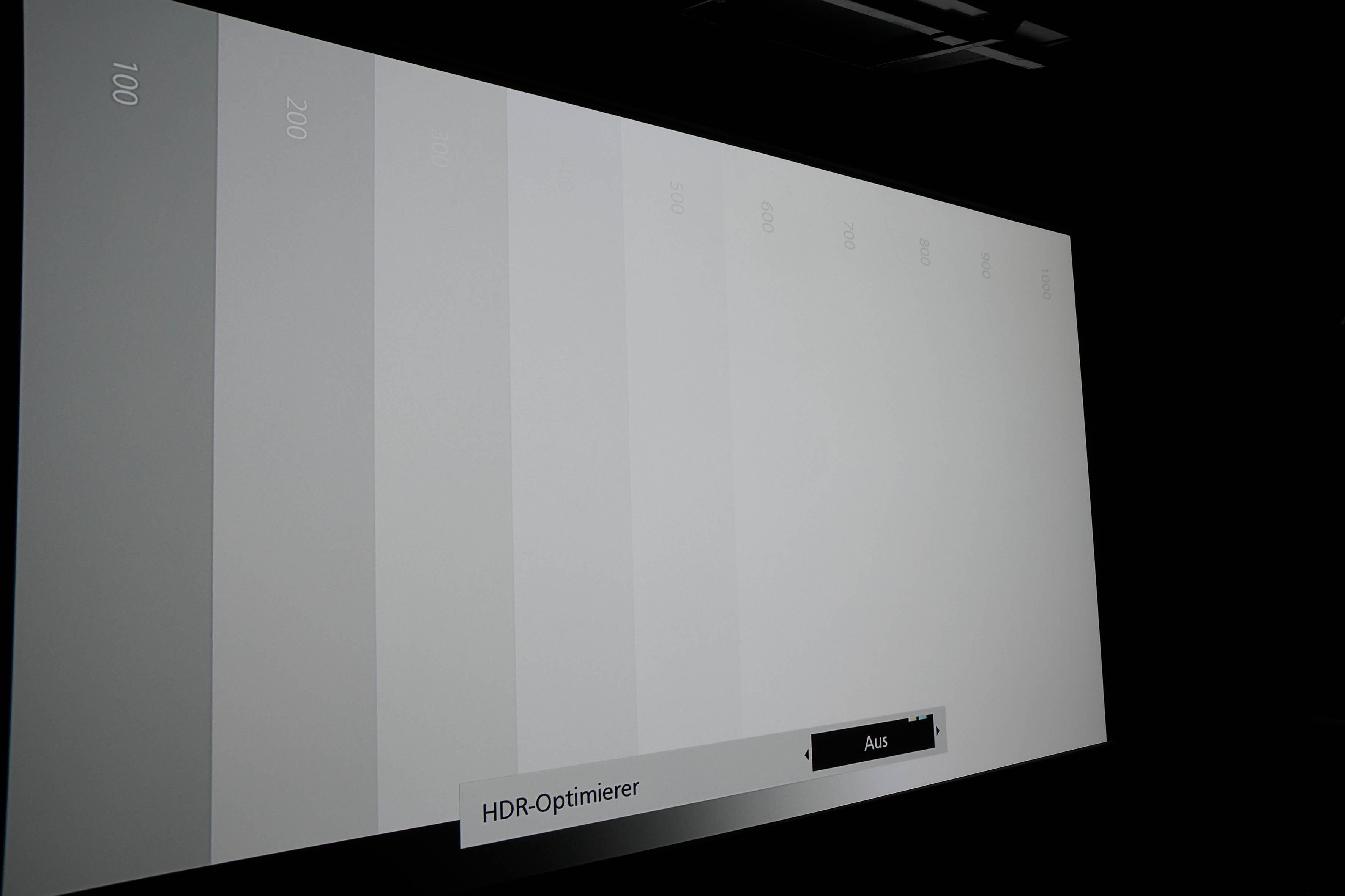 """JVC DLA-X7900 Mit ausgeschaltetem HDR Optimierer wird via Kontrastregler das Clipping so eingestellt, dass 500 Nits die letzte sichtbare Graustufe ist. Ab 600 Nits ist alles """"Weiß"""". Hier sprechen wir auch von """"Clipping""""."""