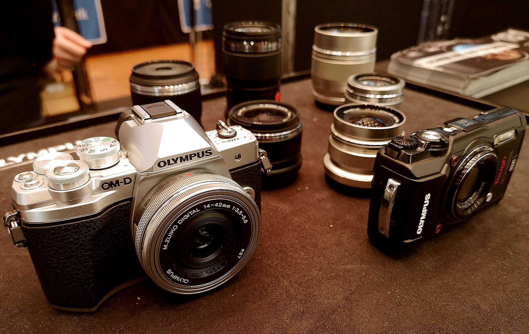 Foto: Michael B. Rehders - Olympus war mit einer großen Auswahl an Fotoapparaten und Objektiven in Freiburg vertreten. Retrokameras erfreuten sich großer Beliebtheit.