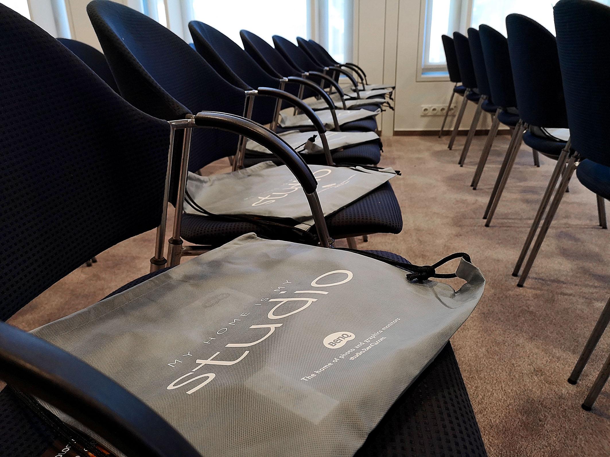 Foto: Michael B. Rehders - Die Taschen mit den Geschenken für die Gäste liegen bereit.