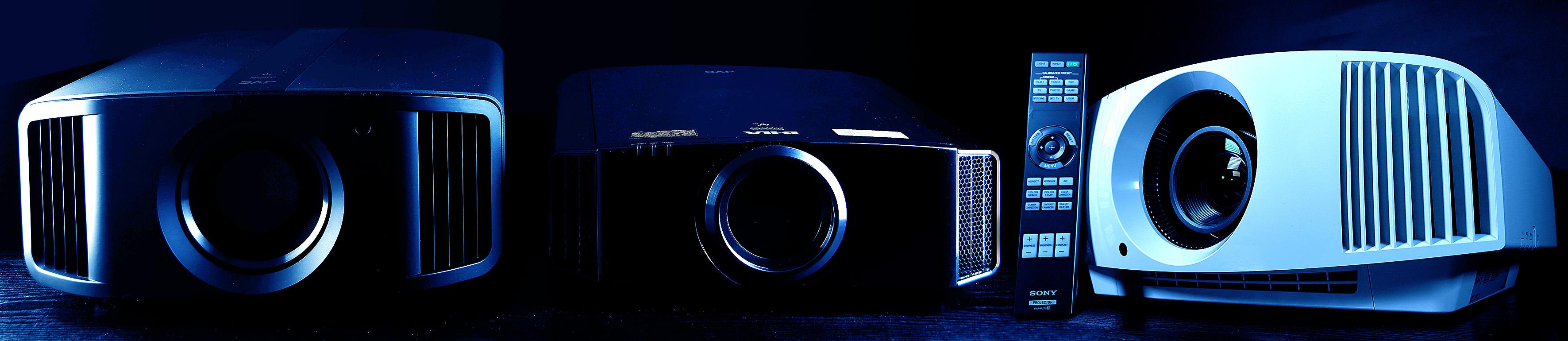 Foto: Michael B. Rehders - Von links: JVC DLA-N7, JVC DLA-X7900, Sony VPL-VW270