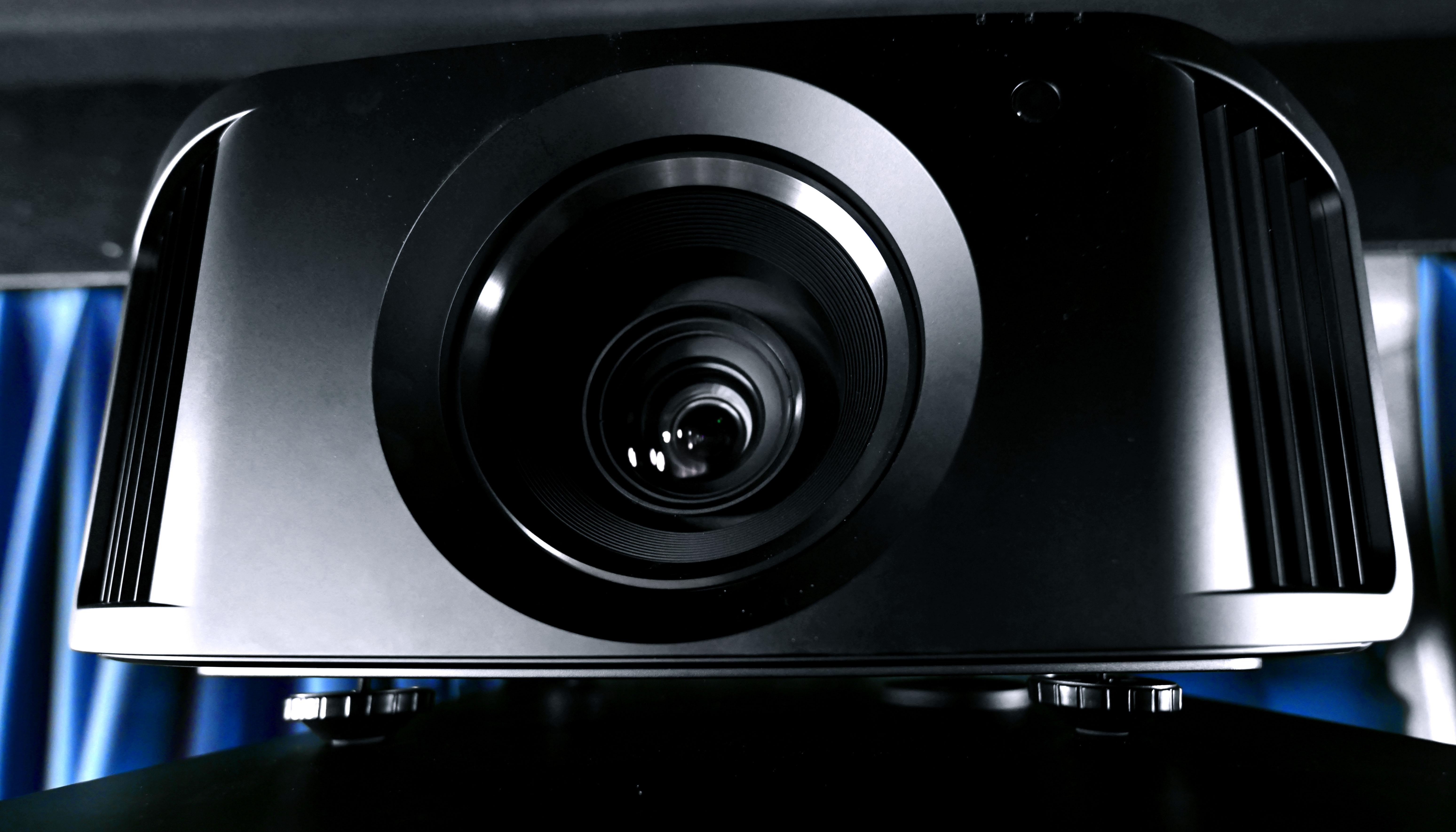 Foto: Michael B. Rehders - Der JVC DLA-N7 gab sich keine Blöße. Leicht zu kalibrieren und mit atemberaubender 4K/HDR-Performance ließ er die Teilnehmer staunen.