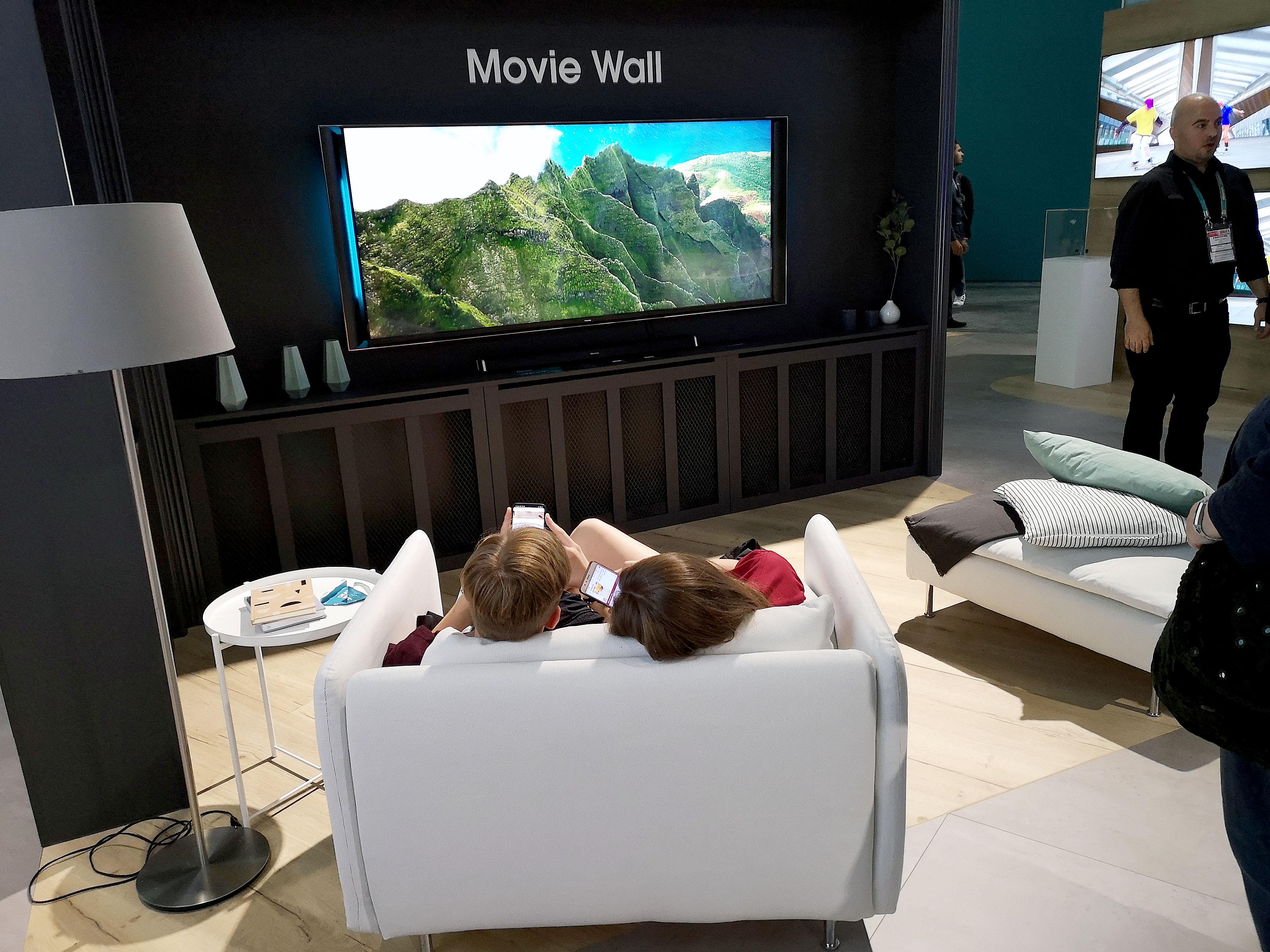 Foto: Michael B. Rehders - Wer es hingegen klassischer mag, dem bietet der Hersteller eine Mediawand zum gemütlichen Fernsehgenuss.