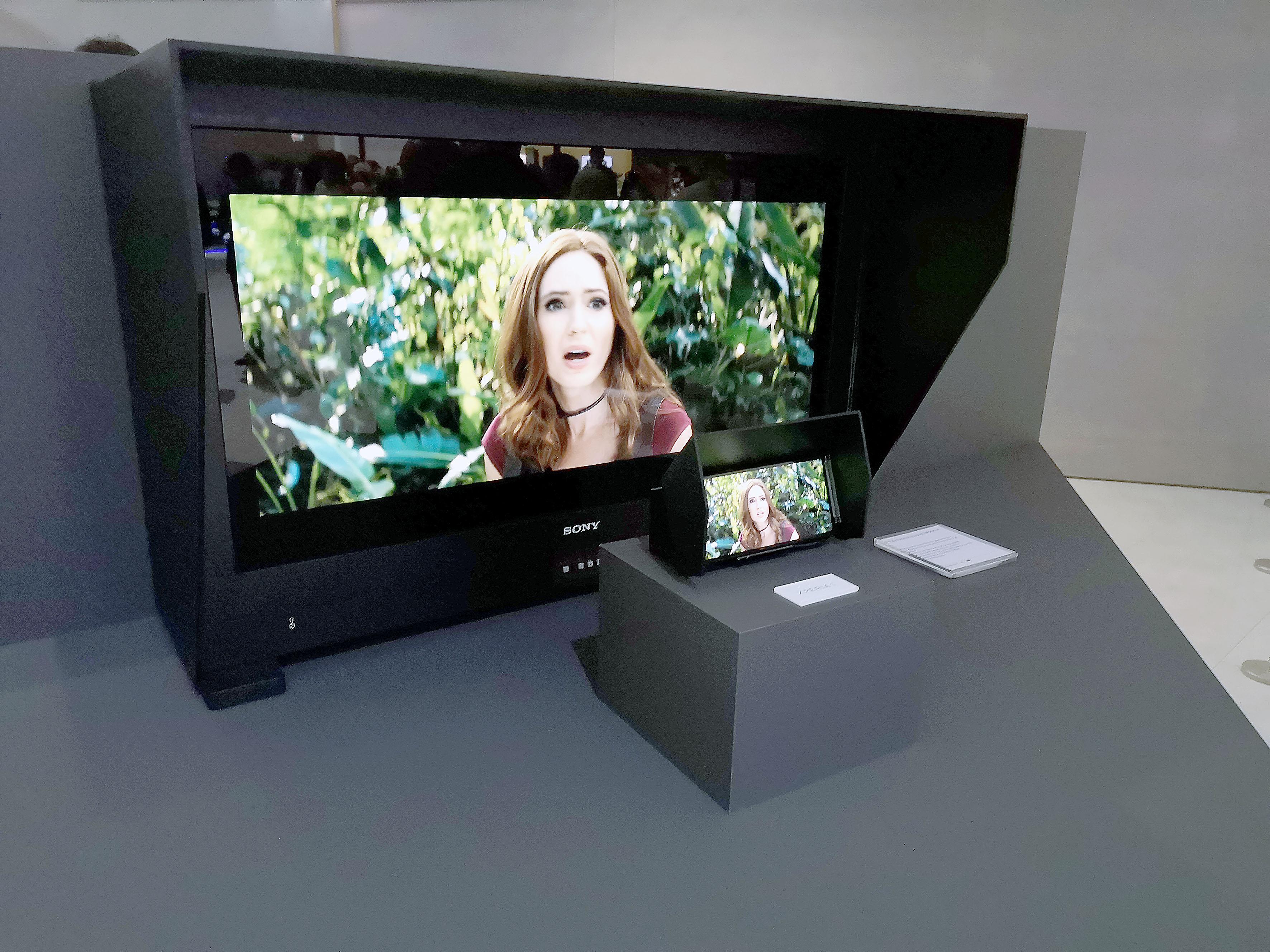 Foto: Michael B. Rehders - Der Sony Master Monitor dient dazu, 4K-Blu-rays mit HDR zu mastern. Seine Leuchtdichte beträgt sagenhafte 4000 Nits. Sein Preis atemberaubende 30.000,- Euro.