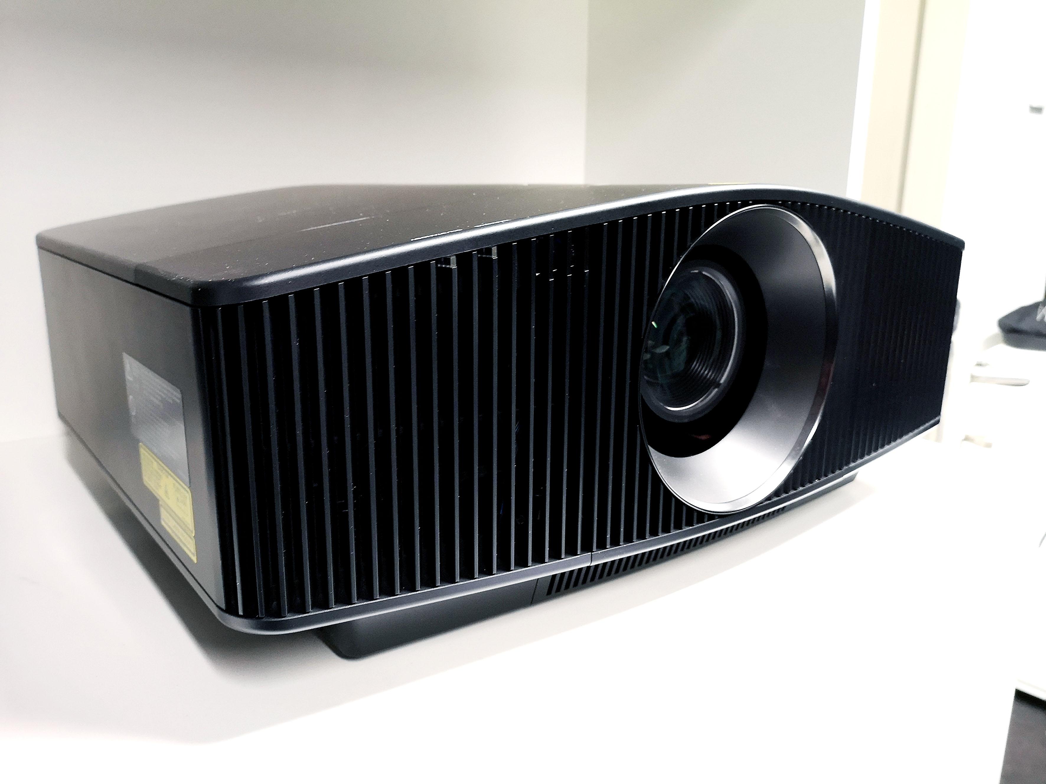 Foto: Michael B. Rehders - Der Sony VPL-VW870 ist ein 4K-Projektor mit Laser-Licht-Technologie.